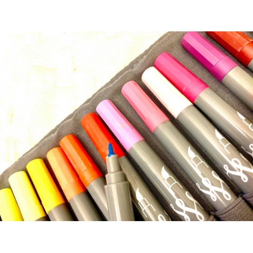 Online 24 Calligraphy <p>Brush Pens in Roll Pouch<p>#81463<p/>