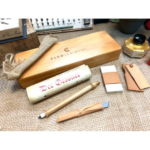 Cleo Der Gessner Box <p>with single Gessner Pencil, <p>Jute Pouch & Accessories <p/>#21030<p/>