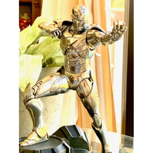 Royal Selangor <p>Limited Edition Iron Man Figurine<p>017937R<p/>
